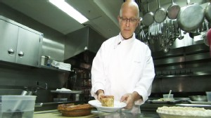 Video: White House Pastry Chef shows ABC News how to make pie.