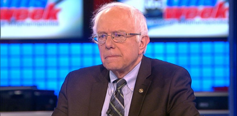 PHOTO: Democratic presidential candidate Senator Bernie Sanders (I) Vermont on This Week