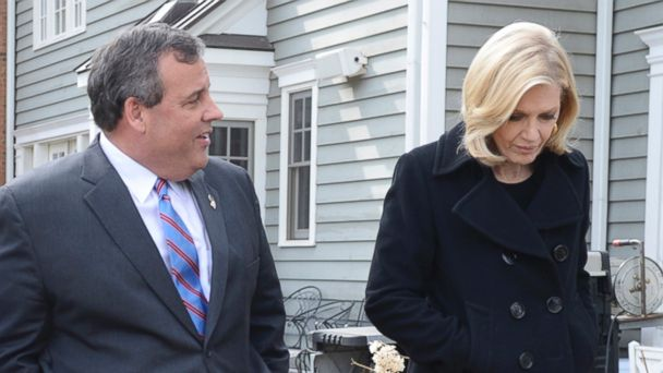 ABC chris christie diane sawyer 2 sr 140327 16x9 608 Chris Christie: They Love Me in Iowa