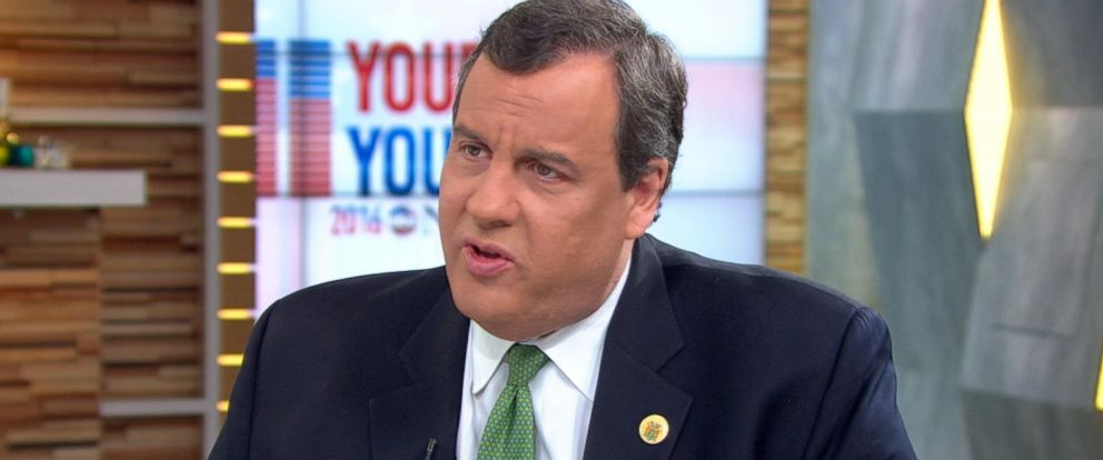 PHOTO:Chris Christie speaks with George Stephanopoulos on Good Morning America, Dec. 2, 2015.