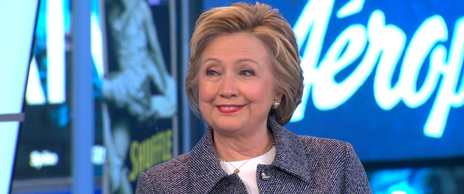 """PHOTO: Hillary Clinton stopped by """"Good Morning America,"""" April 21, 2016."""
