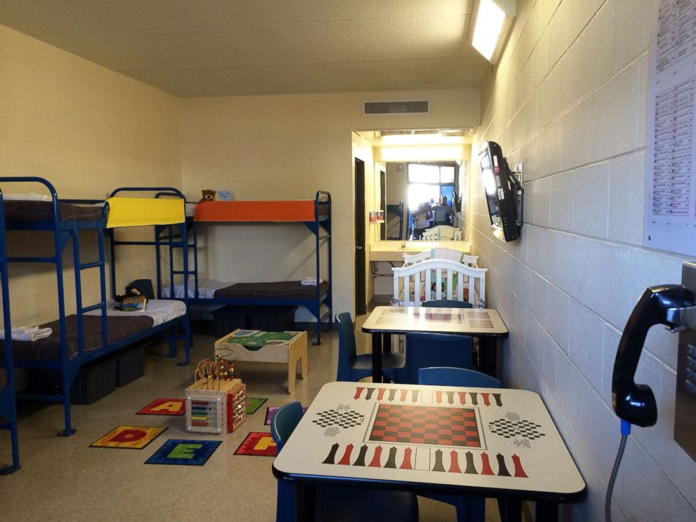 PHOTO: Each family suite in ICEs new detention facility for moms and children crossing the border illegally can accommodate up to eight residents