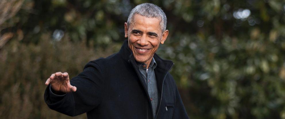 PHOTO: President Barack Obama waves as he leaves the White House in Washington, Jan. 7, 2017.