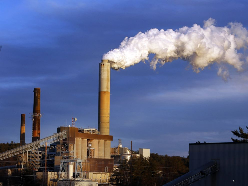 PHOTO: A plume of steam billows from the coal-fired Merrimack Station in Bow, N.H., Jan. 20, 2015.