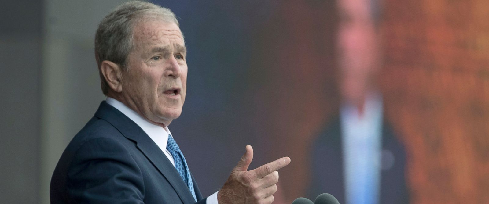 PHOTO: George W. Bush speaks in Washington, Sept. 24, 2016.