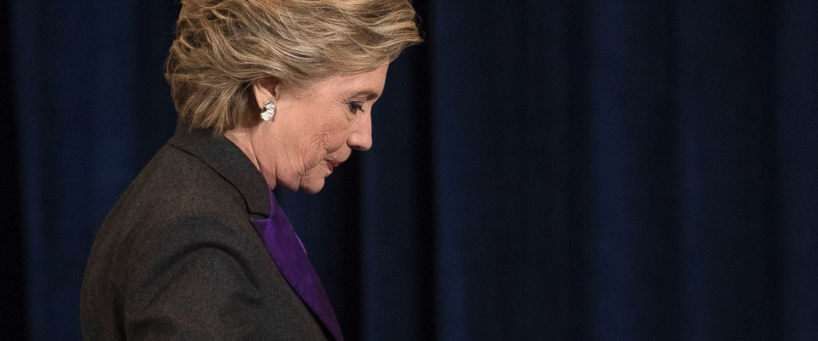 PHOTO: Democratic presidential candidate Hillary Clinton walks off the stage after speaking in New York, Nov. 9, 2016.