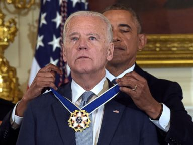 PHOTO: President Barack Obama presents Vice President Joe Biden with the Presidential Medal of Freedom during a ceremony in the State Dining Room of the White House in Washington, Jan. 12, 2017.
