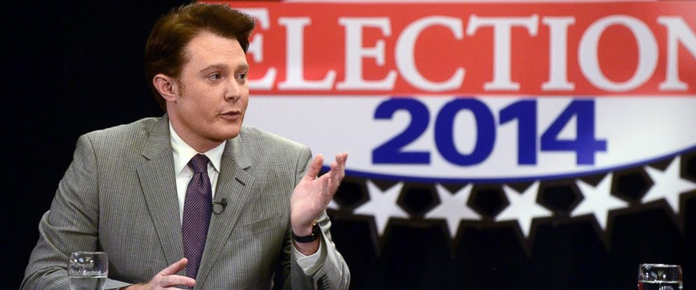 PHOTO: Clay Aiken answers questions during the taping of a debate with Renee Ellmers, Oct. 6, 2014 at the Pinehurst Resort in Pinehurst, N.C.