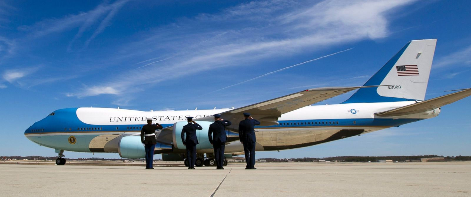 PHOTO: Air Force One with President Barack Obama aboard departs from Andrews Air Force Base, Md., Thursday, March 12, 2015.