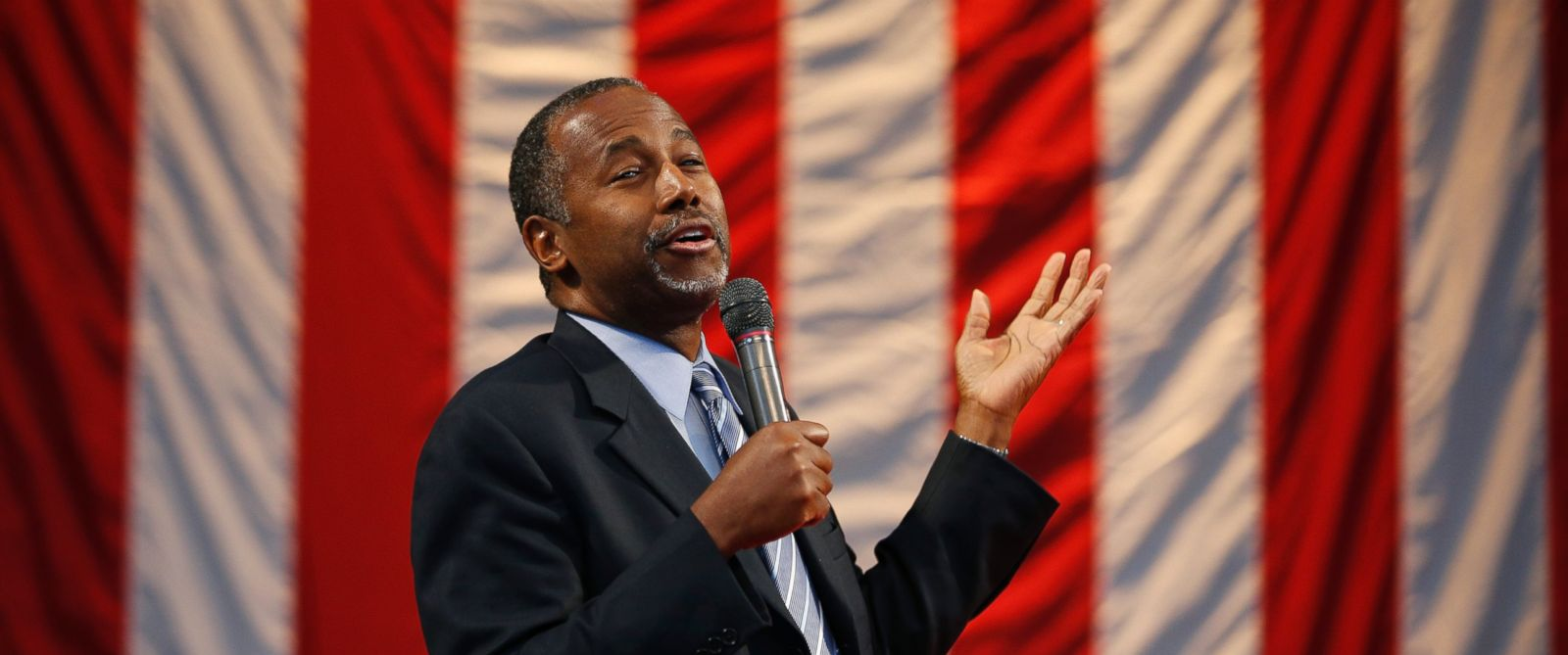 PHOTO: Republican presidential candidate Ben Carson speaks at a rally on Nov. 15, 2015, in Henderson, Nev.