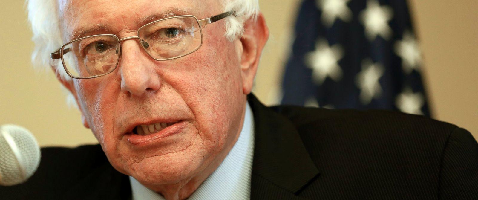 PHOTO: Democratic presidential candidate Sen. Bernie Sanders speaks in Manchester, N.H.