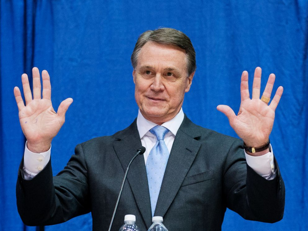 PHOTO: Republican candidate for U.S. Senate David Perdue speaks during a debate, Tuesday, Oct. 7, 2014, in Perry, Ga.
