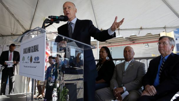 PHOTO: California Gov. Jerry Brown speaks at the groundbreaking of the Oakland Global Trade and Logistics Center, Nov. 1, 2013, in Oakland, Calif.