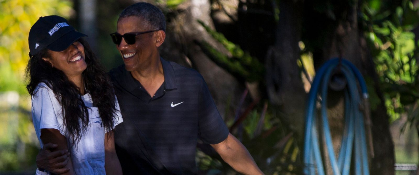 PHOTO: President Barack Obama, right, tours the Honolulu Zoo with his daughter Malia during a family vacation, on Saturday, Jan. 2, 2016, in Honolulu.
