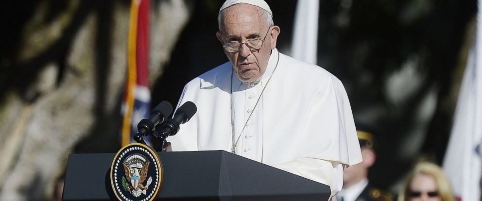 PHOTO: His Holiness Pope Francis speaks during a welcoming ceremony on the South Lawn of the White House in Washington, D.C. on Sept. 23, 2015.