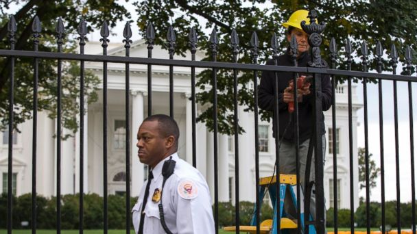 http://a.abcnews.com/images/Politics/AP_White_House_Fence_2_emd_20141023_16x9_608.jpg