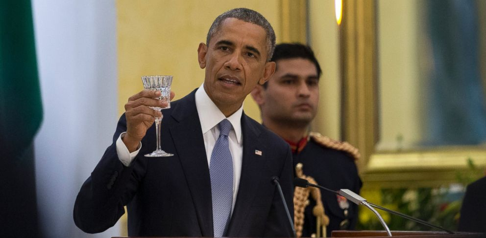 PHOTO: President Barack Obama delivers a toast a State Dinner hosted by Indian President Pranab Mukherjee at the Rashtrapati Bhavan, the presidential palace, in New Delhi, India, Sunday, Jan. 25, 2015.