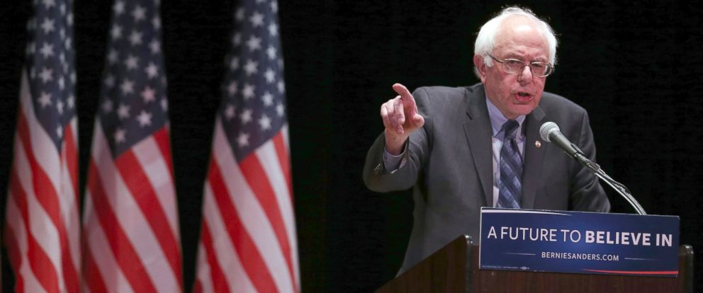 PHOTO: Democratic presidential candidate Sen. Bernie Sanders, I-Vt., speaks during a campaign event, Jan. 5, 2016, in New York.