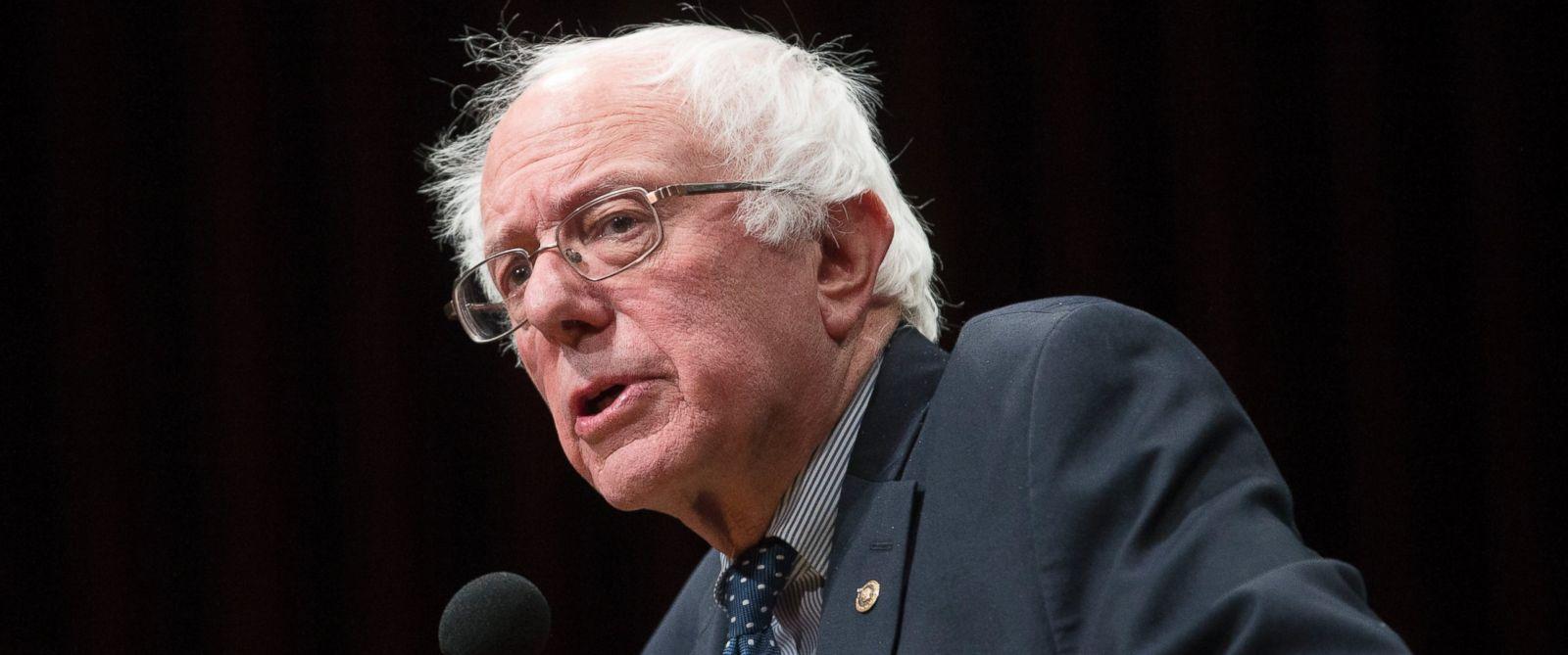 PHOTO: Democratic presidential candidate, Sen. Bernie Sanders, I-Vt, speaks in Hanover, N.H., Jan. 14, 2016.