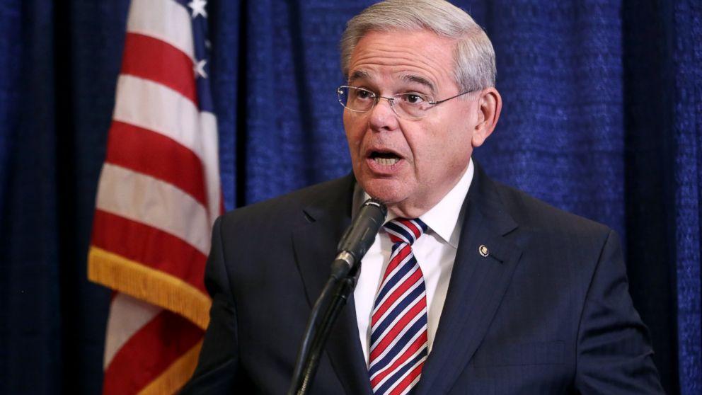 PHOTO: U.S. Sen. Bob Menendez speaks during a news conference, April 1, 2015, in Newark, N.J.
