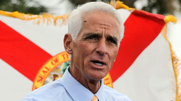 PHOTO: Former Republican Florida Gov. Charlie Crist gestures during a campaign rally Monday, Nov. 4, 2013, in St. Petersburg, Fla.
