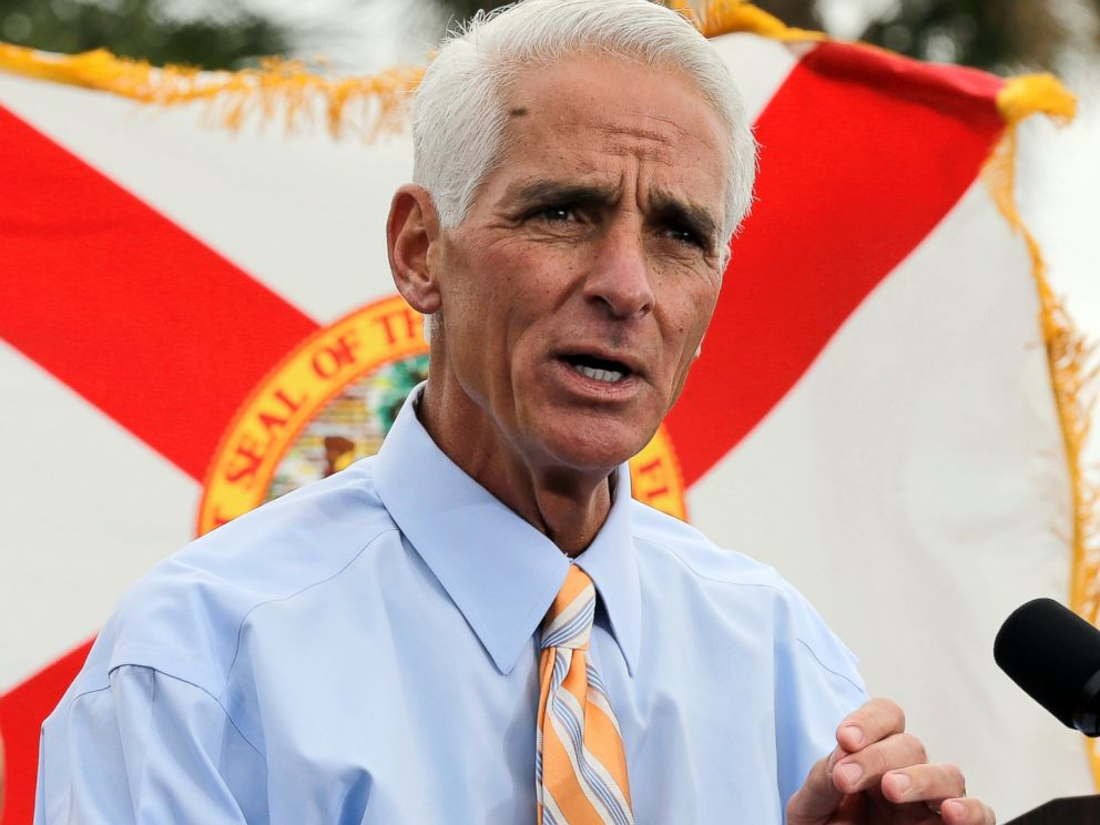PHOTO: Former Republican Florida Gov. Charlie Crist gestures during a campaign rally, Nov. 4, 2013, in St. Petersburg, Fla.