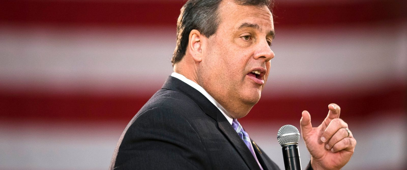 PHOTO: New Jersey Gov. Chris Christie speaks at a town hall meeting, March 13, 2014, at the YMCA of Burlington County, in Mount Laurel, N.J.