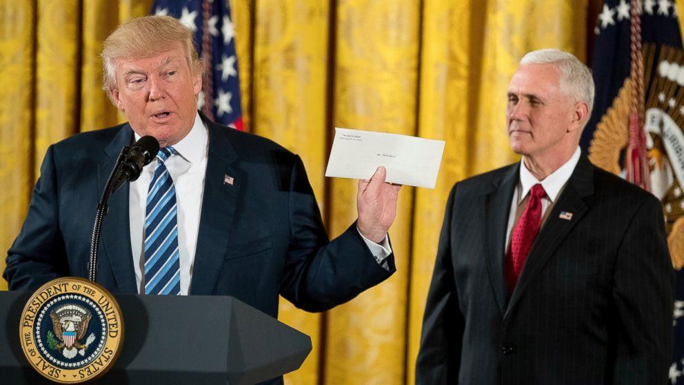 http://a.abcnews.com/images/Politics/AP_donald-trump-jt-170122_16x9_992.jpg