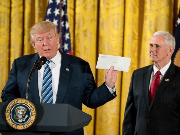 President Trump Swears in Senior Staff, Touts Obama Oval Office Letter