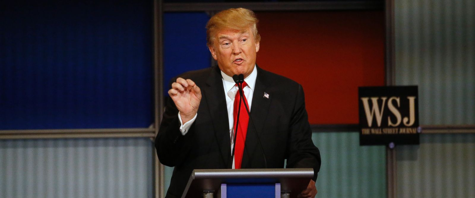 PHOTO: Donald Trump makes a point during the Republican presidential debate at the Milwaukee Theater, Nov. 10, 2015, in Milwaukee.