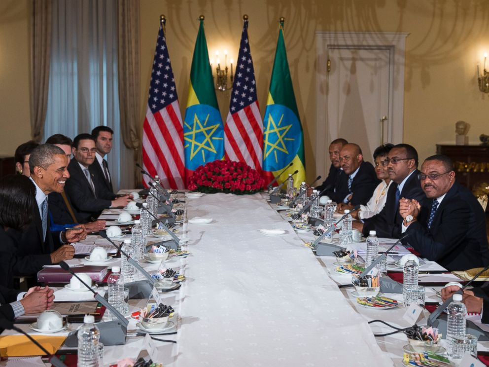 PHOTO: President Barack Obama participates in a bilateral meeting with Ethiopian Prime Minister Hailemariam Desalegn, right, at the National Palace, July 27, 2015, in Addis Ababa, Ethiopia.