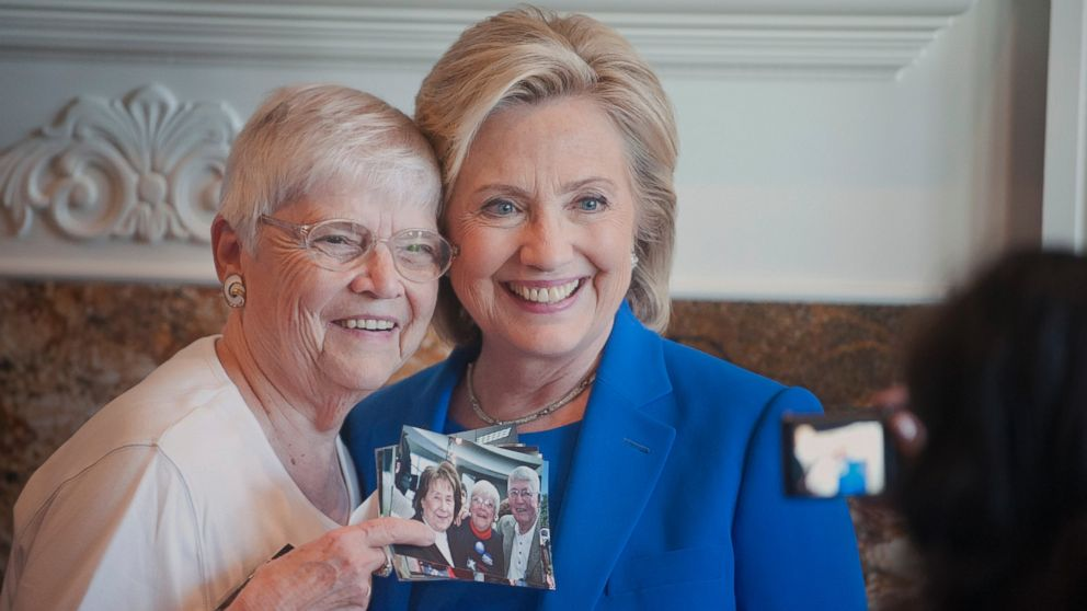 PHOTO: Anita Wendt, of Sioux City, Iowa poses for a photo with Democratic presidential hopeful, former Secretary of State Hillary Rodham Clinton, during a campaign house party, June 13, 2015, in Sioux City, Iowa.