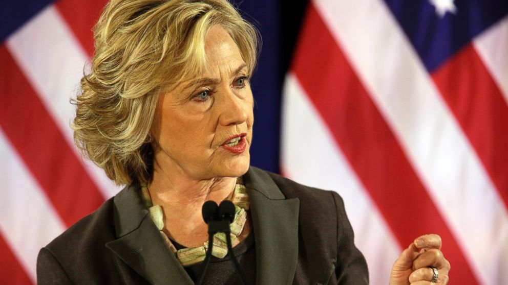 PHOTO: Democratic presidential hopeful Hillary Rodham Clinton delivers a speech, July 24, 2015, at the New York University Leonard N. Stern School of Business in New York.