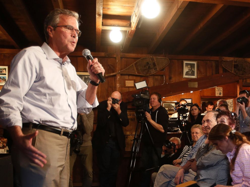PHOTO: Former Florida Gov. Jeb Bush speaks to a group at a Politics and Pie at the Snow Shoe Club Thursday, April 16, 2015, in Concord, N.H.