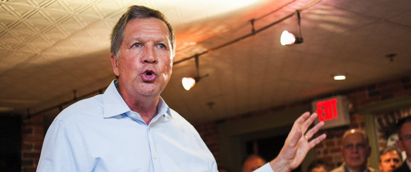 PHOTO: Ohio Gov. John Kasich, R-Ohio, speaks during an event hosted by the New Hampshire Business Caucus and Greater Concord Chamber of Commerce at The Barley House in Concord, N.H., Wednesday, May 6, 2015.