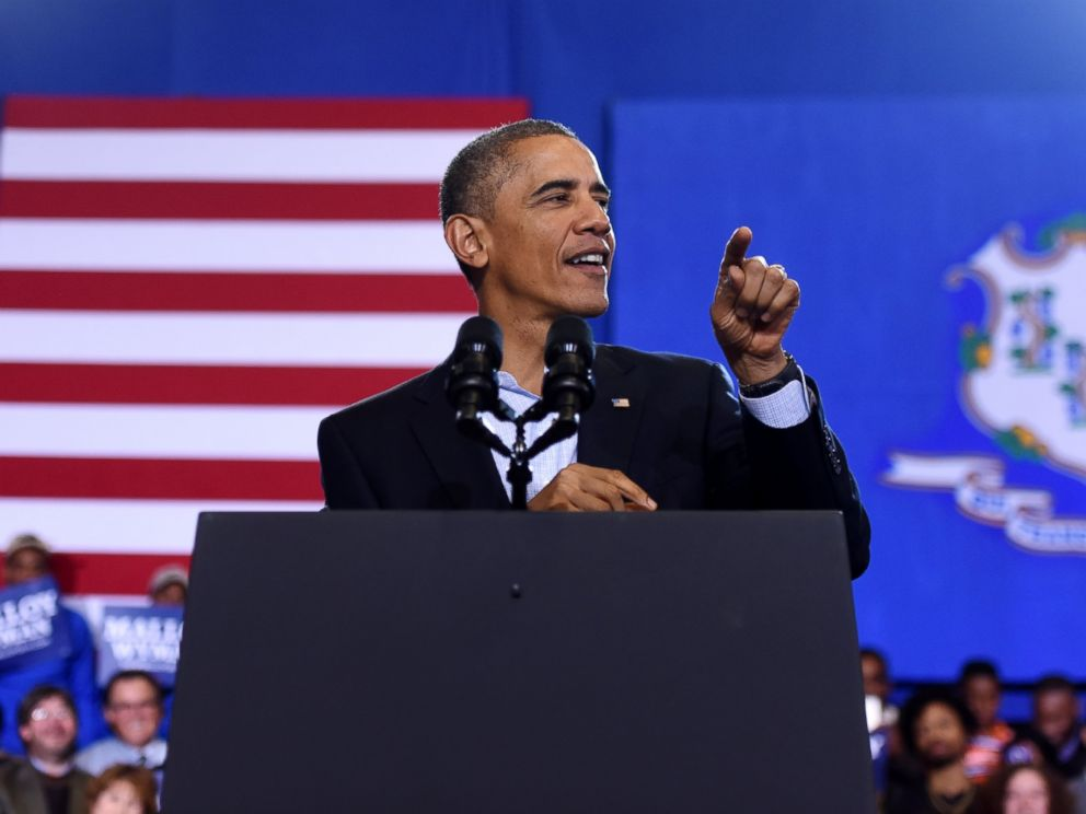 PHOTO: President Barack Obama speaks at Central High School in Bridgeport, Conn., Nov. 2, 2014.