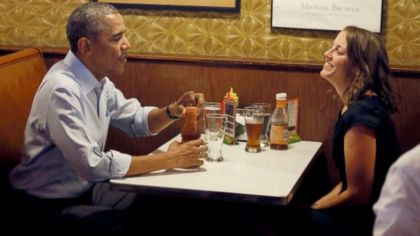 AP obama matt bar jef 140626 16x9 608 Obama Shadows Working Mom, Has Jucy Lucy, But No Beer