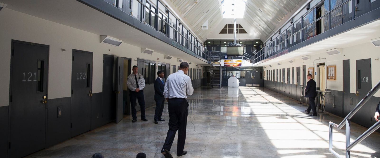 Justice department announces effort to end use of private for Bureau of prisons