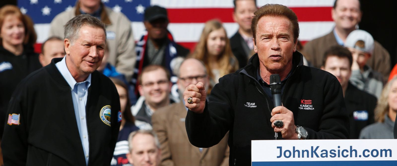 PHOTO: Former California Gov. Arnold Schwarzenegger, right, introduces Republican presidential candidate, Ohio Gov. John Kasich, during a campaign rally, March 6, 2016, in Columbus, Ohio.