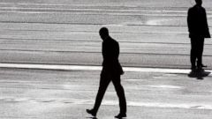PHOTO: President Barack Obama, center, and two secret service agents