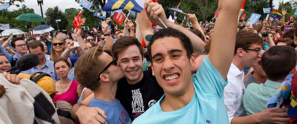 PHOTO: Supporters of same-sex marriage celebrate outside of the Supreme Court in Washington, June 26, 2015.
