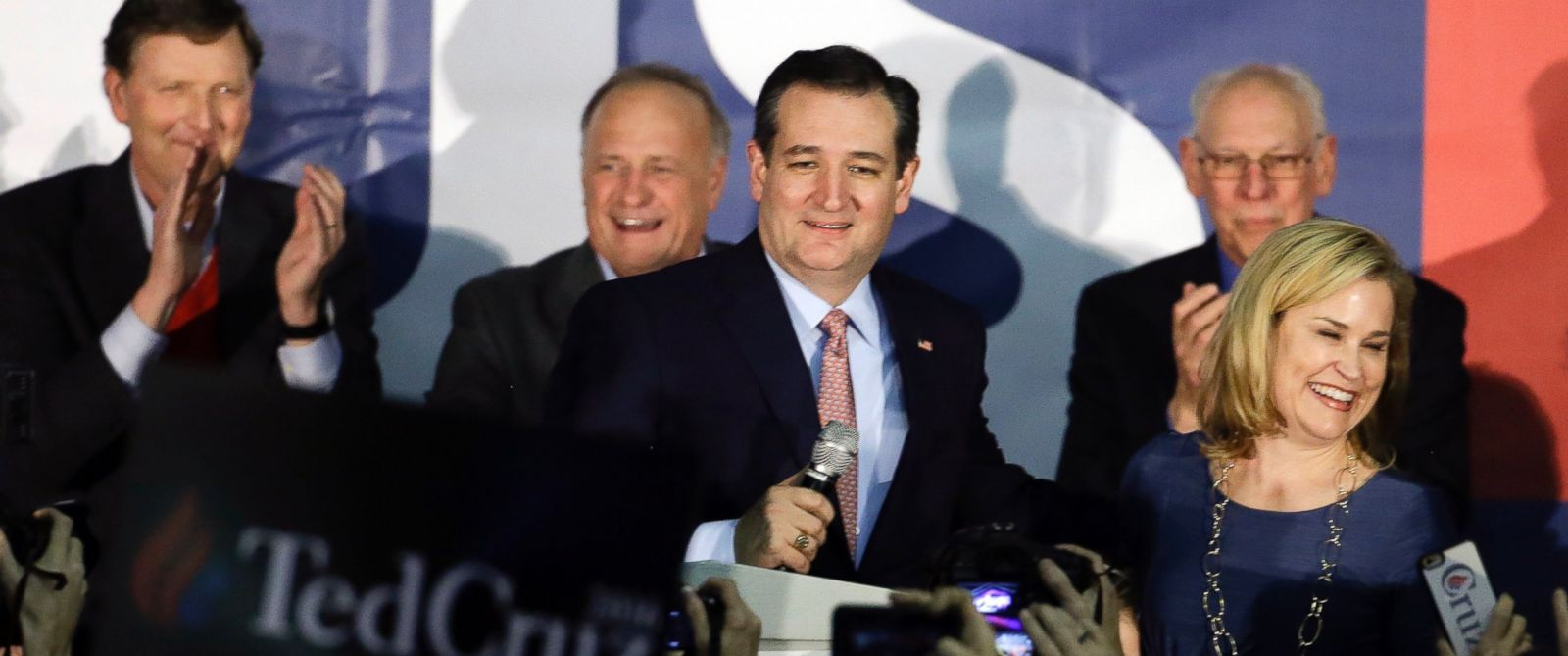 PHOTO: Republican presidential candidate, Sen. Ted Cruz, speaks during a caucus night rally, Feb. 1, 2016, in Des Moines, Iowa.