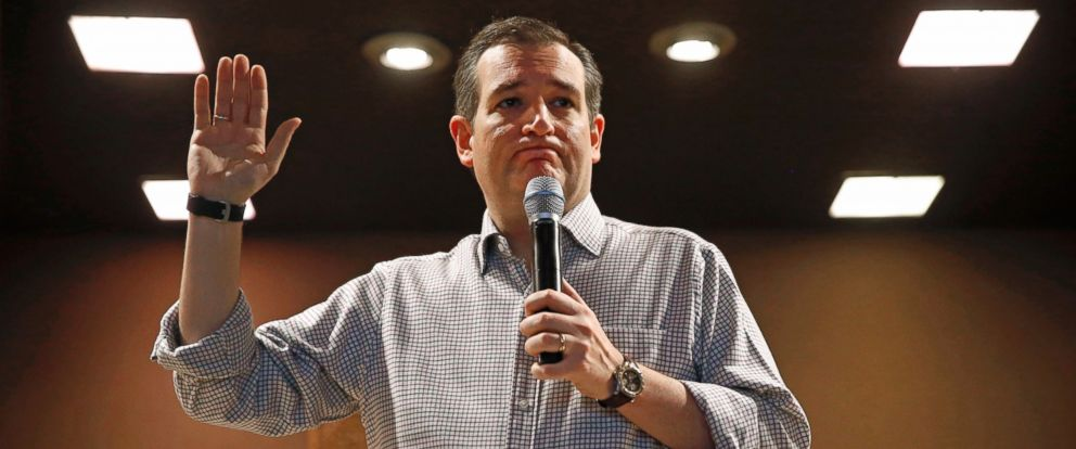 PHOTO: Republican presidential candidate, Sen. Ted Cruz, R-Texas, holds a town hall at Praise Community Church in Mason City, Iowa, Jan. 8, 2016.
