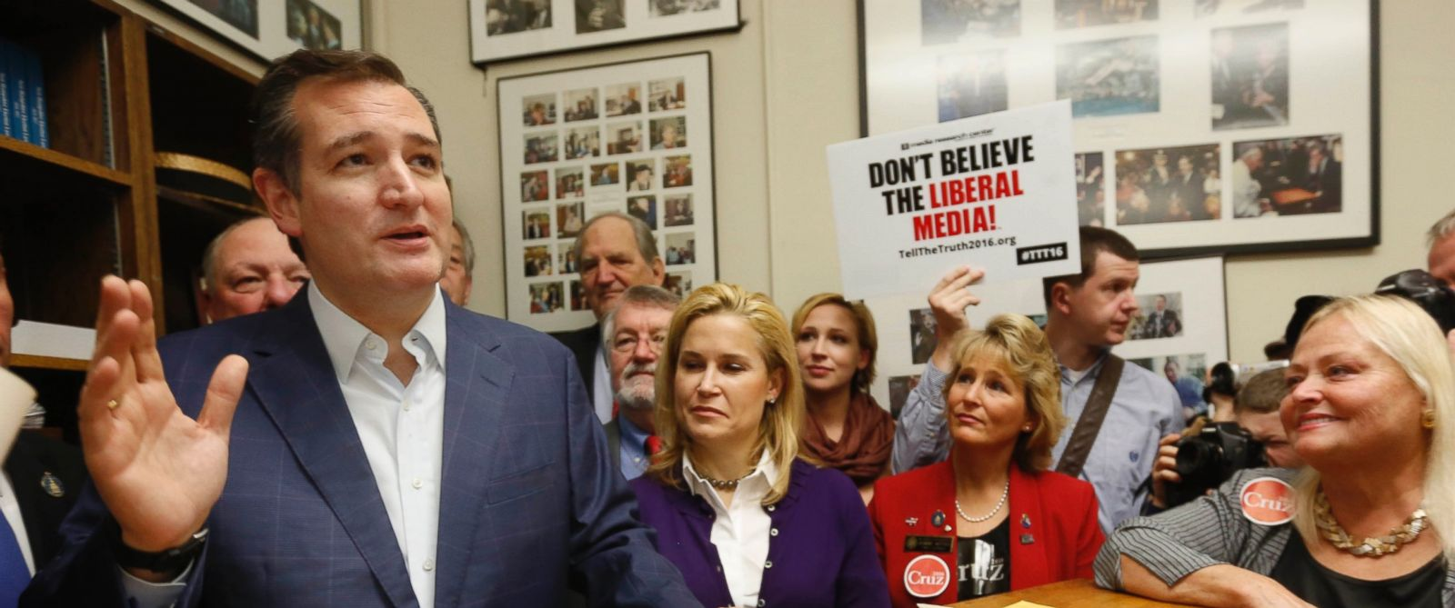 PHOTO: Republican presidential candidate Sen. Ted Cruz speaks after filing papers to be on the nations earliest presidential primary ballot, Nov. 12, 2015, at The Secretary of States office in Concord, N.H.