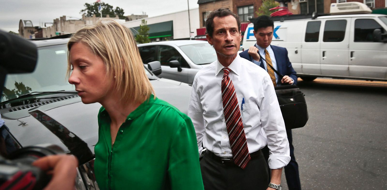 PHOTO: anthony weiner, barbara morgan, nuzzi, campaign