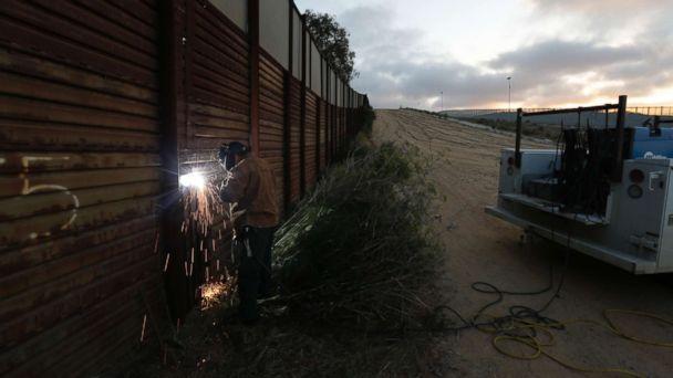 http://a.abcnews.com/images/Politics/Border-Wall-ap-er-170901_16x9_608.jpg