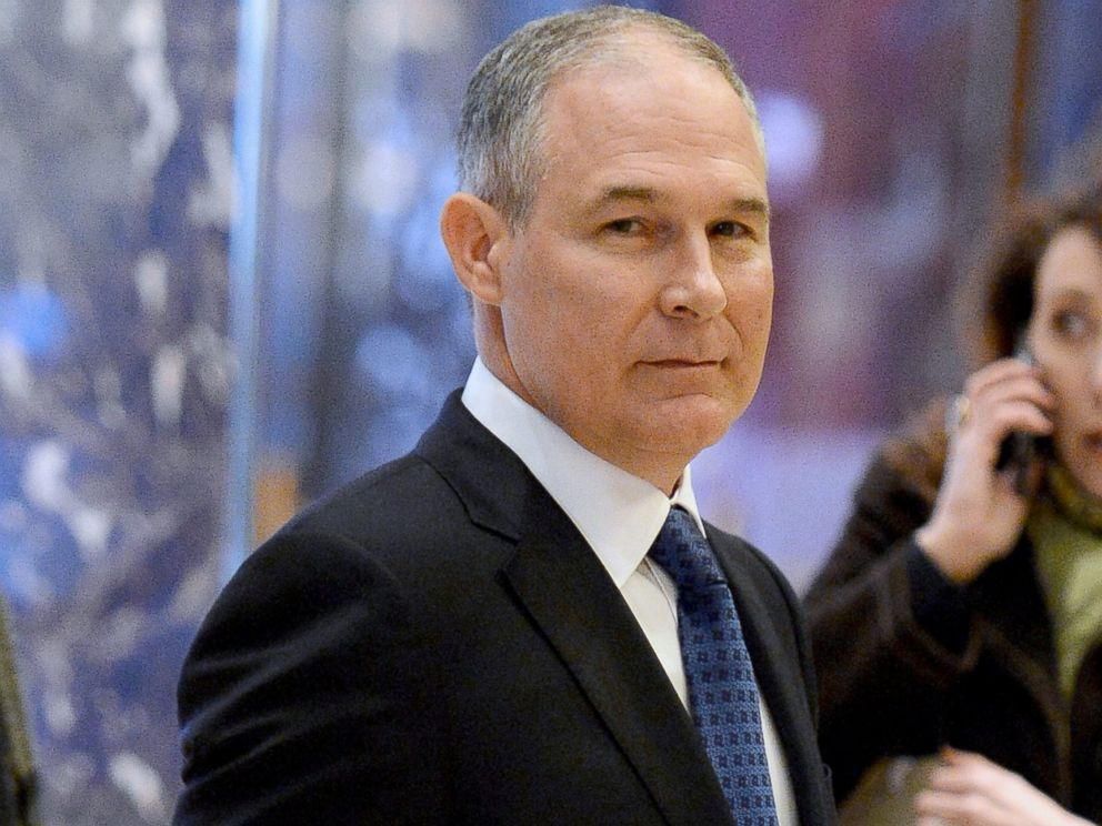PHOTO: Scott Pruitt, Attorney General of Oklahoma, arrives in the lobby of the Trump Tower in New York City, Nov. 28, 2016.