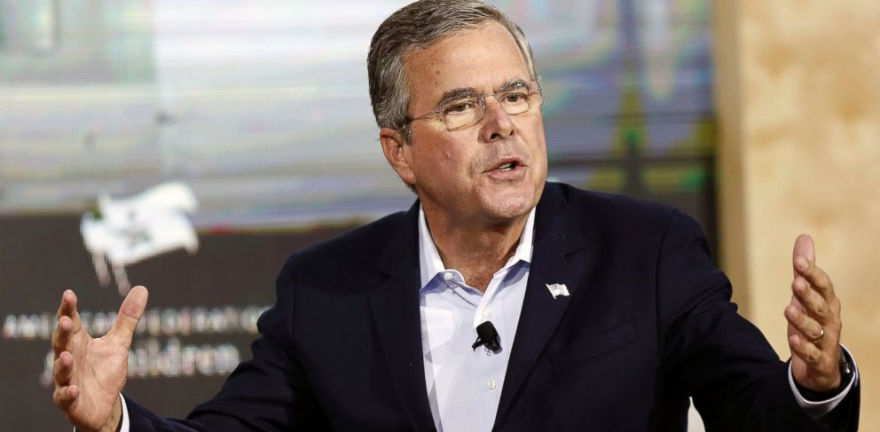 PHOTO: Republican presidential candidate, former Florida Gov. Jeb Bush speaks during an education summit, Aug. 19, 2015, in Londonderry, N.H.