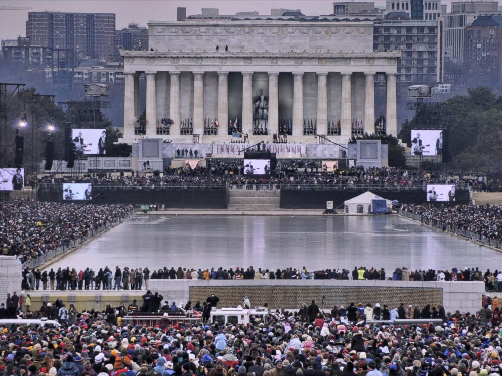 PHOTO: View from the World War II Memorial to the the Lincoln Memorial during the 2009 Barack Obama Inauguration Concert, Jan. 20, 2013, in Washington.