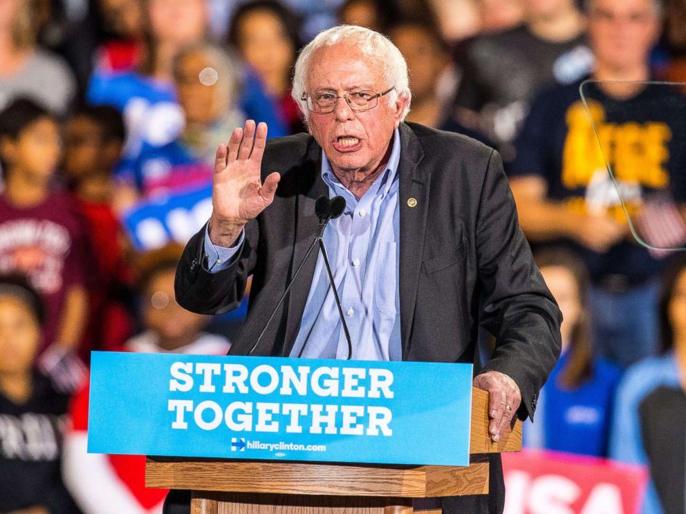 PHOTO: Senator Bernie Sanders campaign with Hillary Clinton at Coastal Carolina Credit Union Music Park in Raleigh, North Carolina, Nov. 3, 2016.